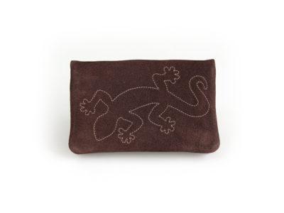 Tabaktasche in mocca mit Salamander